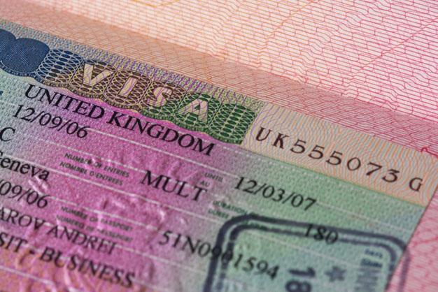 Виза в Великобританию обычно выдаётся на 6 месяцев