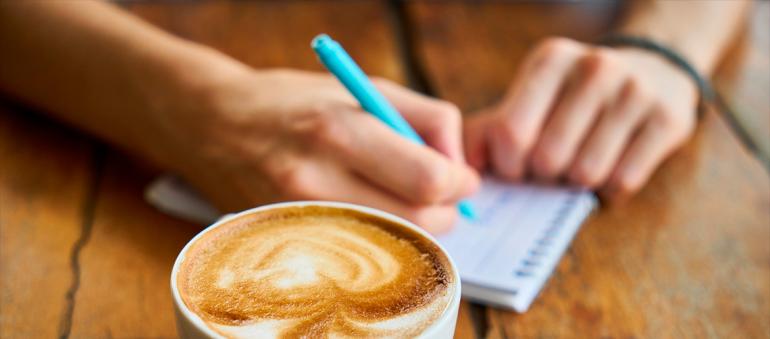 ¿Cómo escribir una biografía de autor?