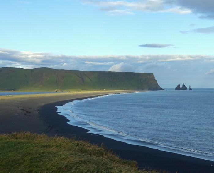 Der schwarze Strand von Dýrholaey