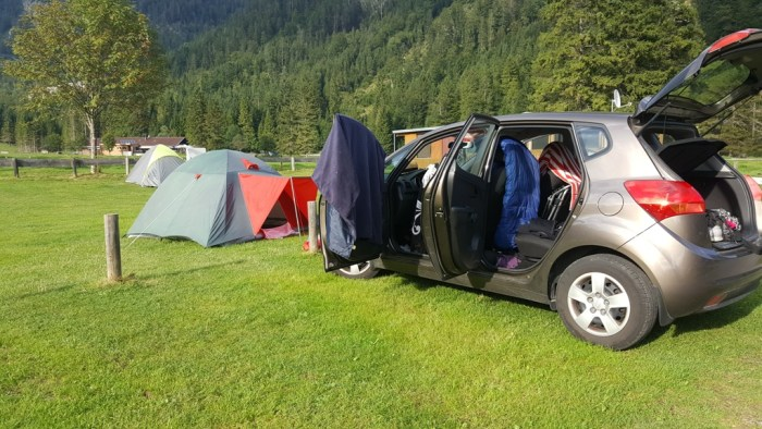 das Zelt steht endlich