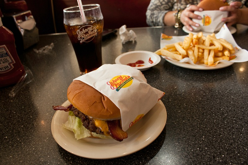 johnny_rockets_hamburger_los_angeles