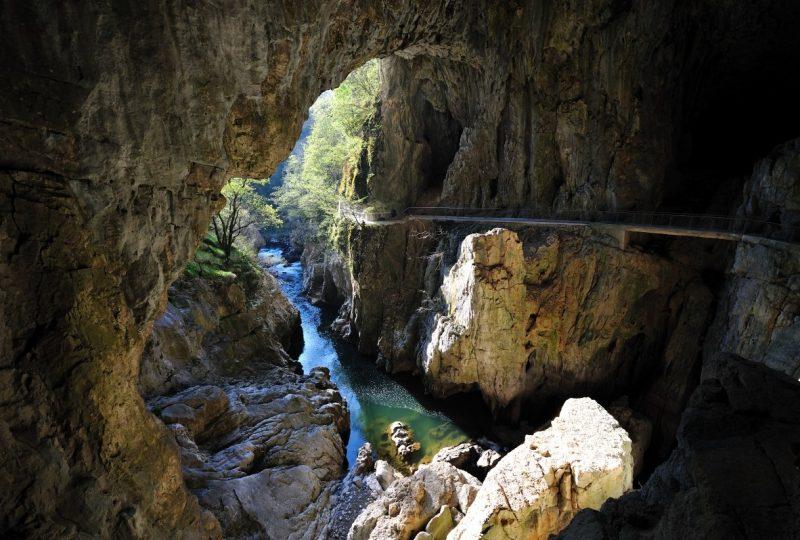 grotte san canziano slovenia