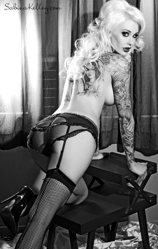 Sabina Kelley pin up