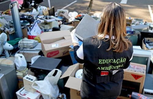 18.05.2020 Drive thru SEMA coleta reciclável - Fotos Emerson Dias