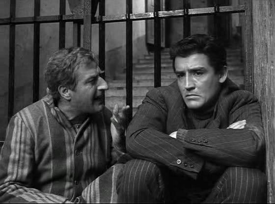 "Memmo Carotenuto e Vittorio Gassman ne ""I soliti ignoti"" (1958)"