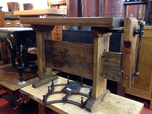 Mondo_stretcher_workbench_