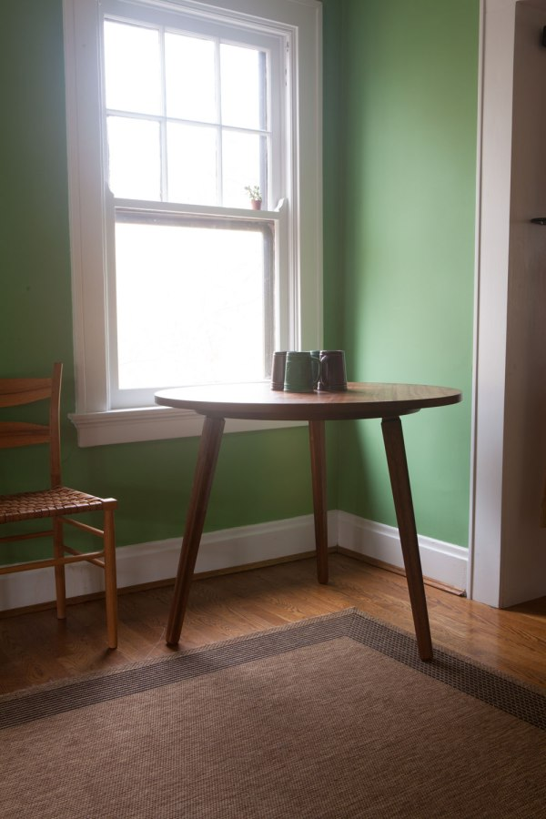 3legged-drinking-table-color-IMG_1910