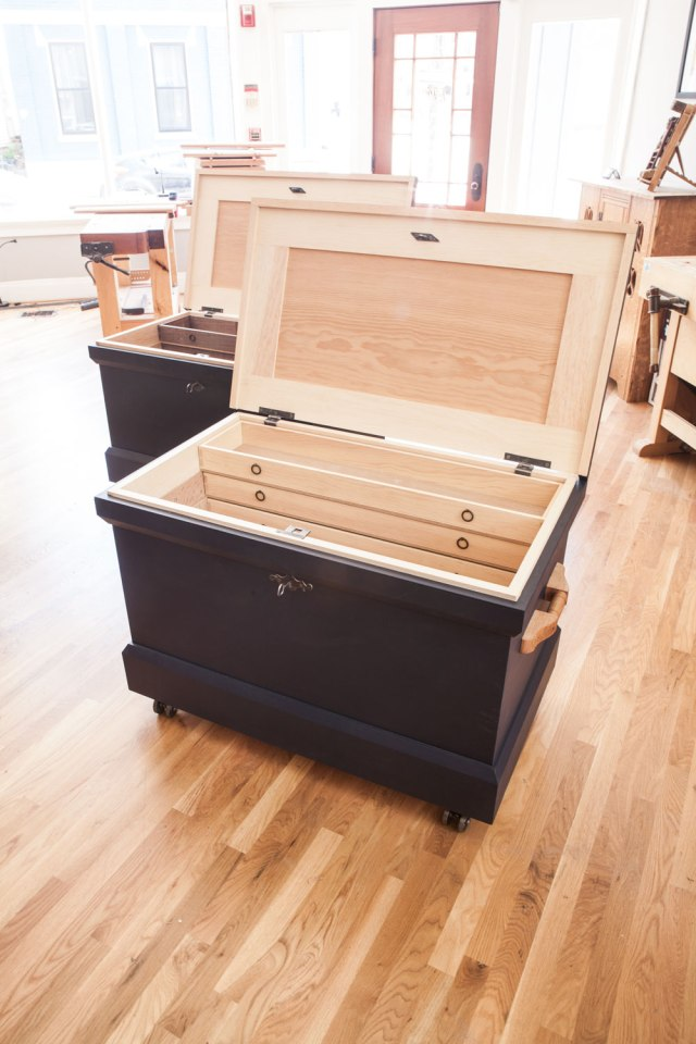 TWO_TOOL_CHESTS_IMG_5704