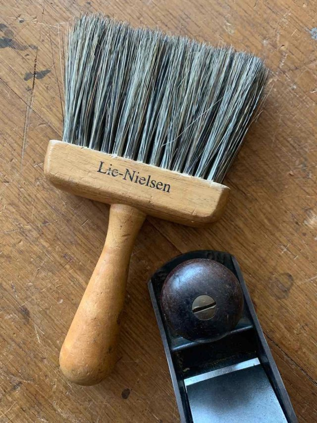LN-dusting-brush-IMG_4671