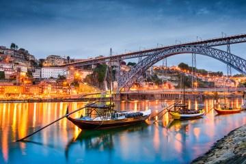 Imagem de passeio ao ar livre no Porto