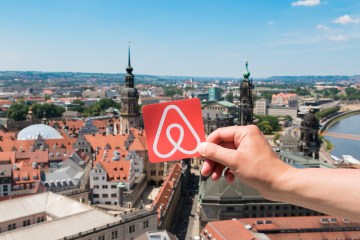 Medium term stays: book place on Airbnb