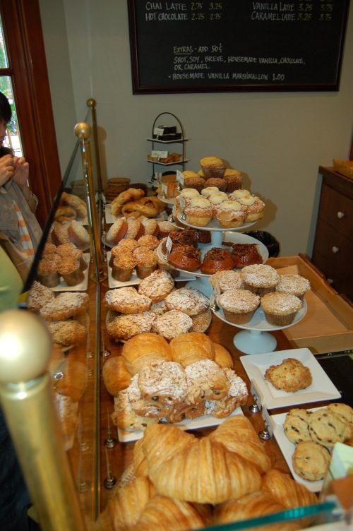 TravYummy Pastries at Bouchon Bakery in Yountville, Napa Valley - © LoveToEatAndel.com