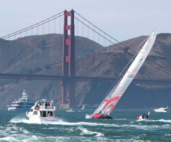 Enjoy watching powerboats and sailboats on San Francisco Bay - Golden Gate Bridge - All Rights Reserved Love to Eat and Travel © LoveToEatAndTravel.com