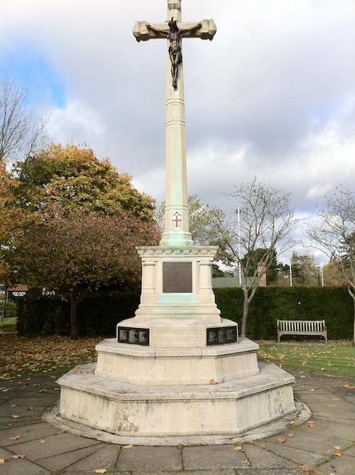 War Memorial at Ruislip – © LoveToEatAndTravel.com