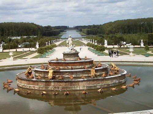 Versailles Gardens & Fountains - © LoveToEatAndTravel.com
