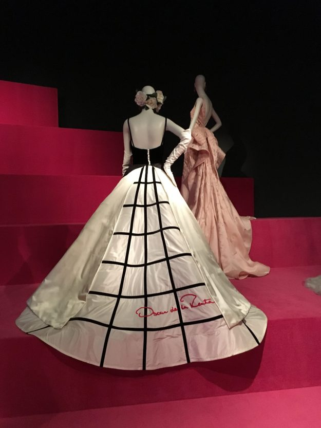 Oscar de la Renta couture worn by Sarah Jessica Parker on the Red Carpet - on display at the Oscar de la Renta exhibit at the de Young - photo: – © LoveToEatAndTravel.com