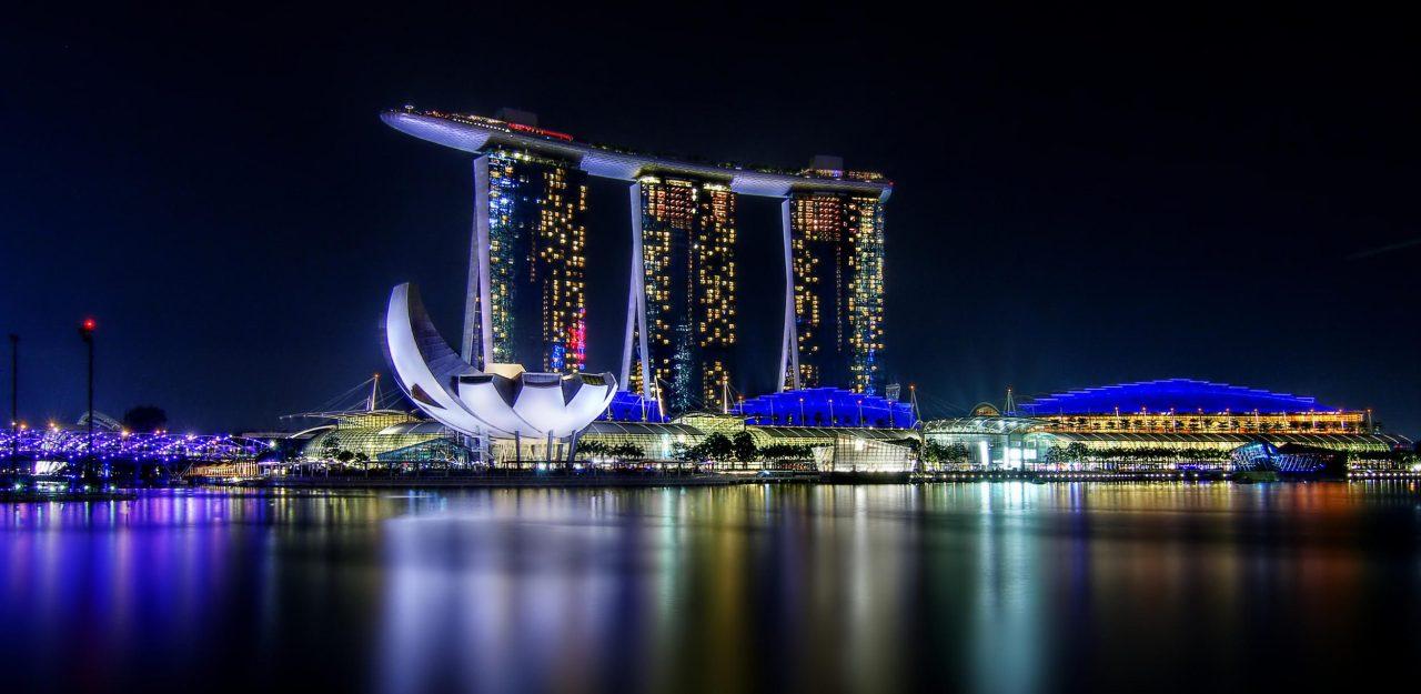 Marina Bay Sands Singapore - 5 Star Luxury Hotel