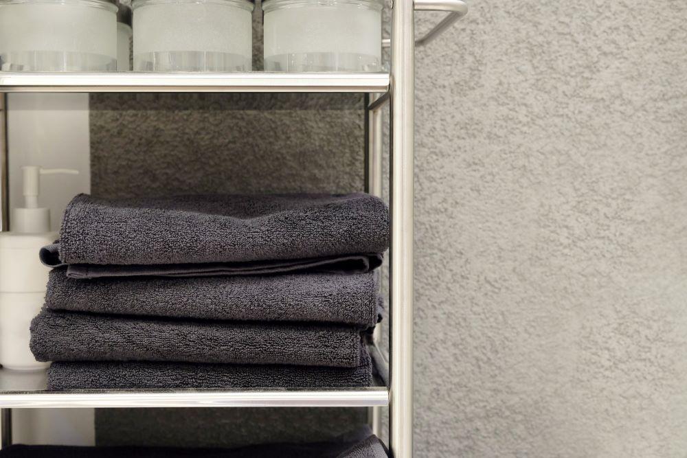 10 storage ideas for a small bathroom