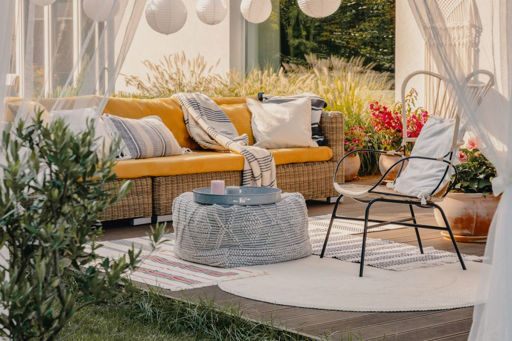 10 small patio decorating ideas to open