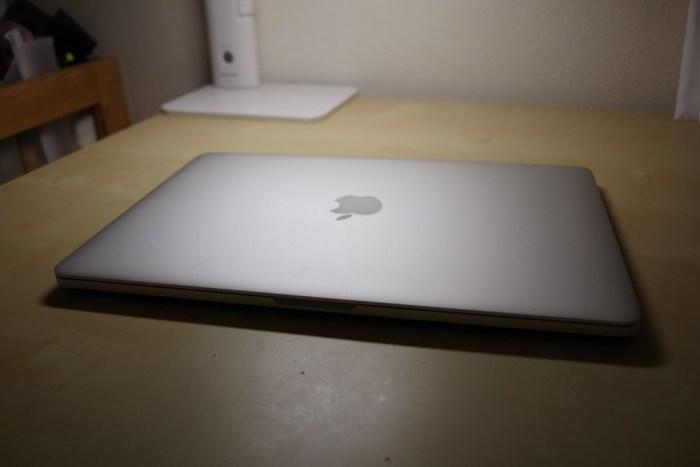 Macbook Pro 2015 mid イメージ画像1