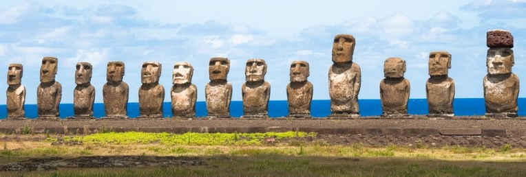 Moai Ahu Tongariki, Easter island (Chile)