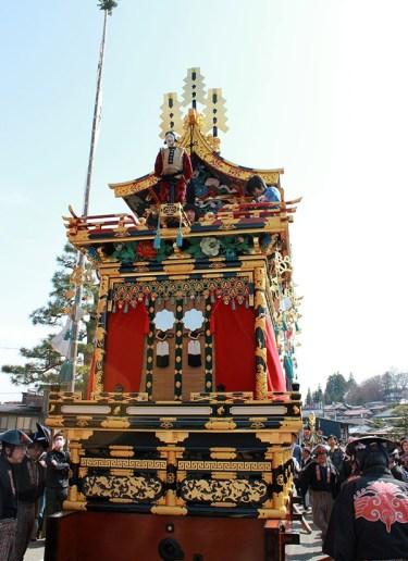 Takayama-sanno-matsuri-yatai-marionnette