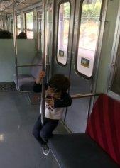 Faut bien s'occuper un peu dans ces trains locaux :o