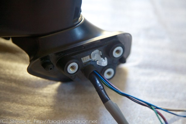 3rd gen Prius JDM power folding side mirrors DIY guide: Re-attach the rubber boot back to the base of the mirror