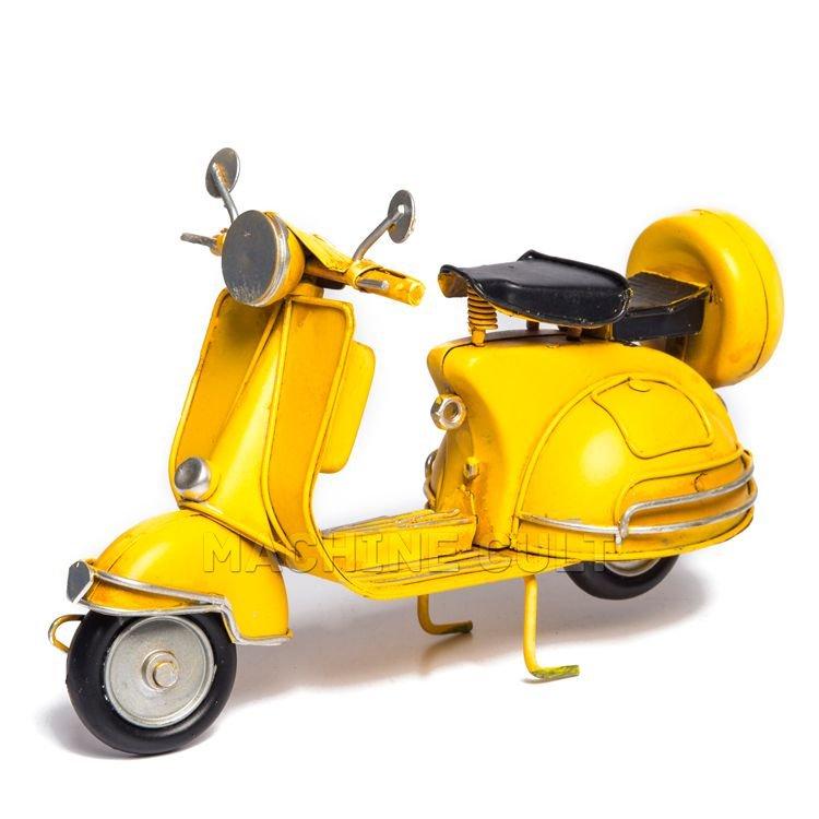 Miniatura Vintage Vespa Amarela