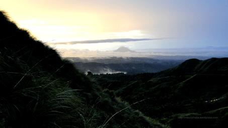 Mt Batulao - Bukang liwayway kuha mula sa pwesto ng tent ko