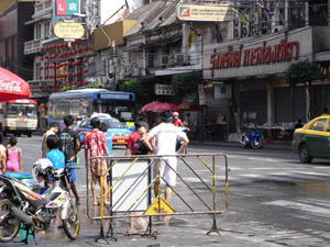 songkran_road.jpg
