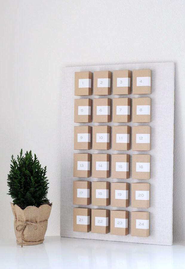 Fabriquer un calendrier de l'avent mural simple avec des petites boites en carton