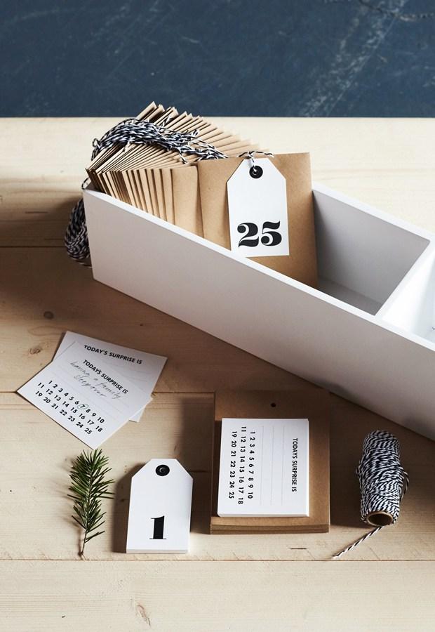 Un calendrier de l'avent tout simple à fabriquer avec des enveloppes en kraft, et à remplir de mots doux pour son amoureux