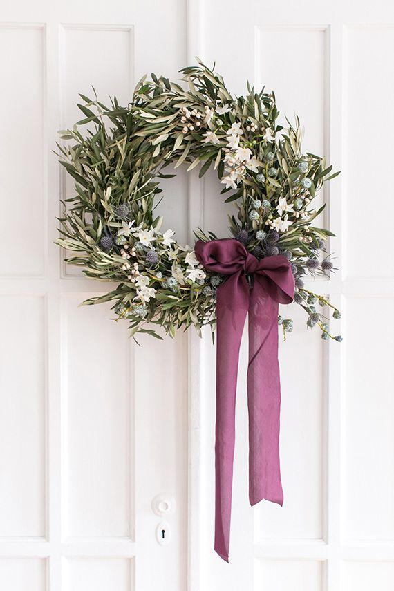 Décorez votre couronne de Noel d'un joli ruban