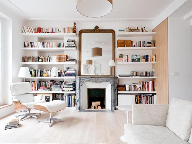 Aménager une bibliothèque autour d'une cheminée