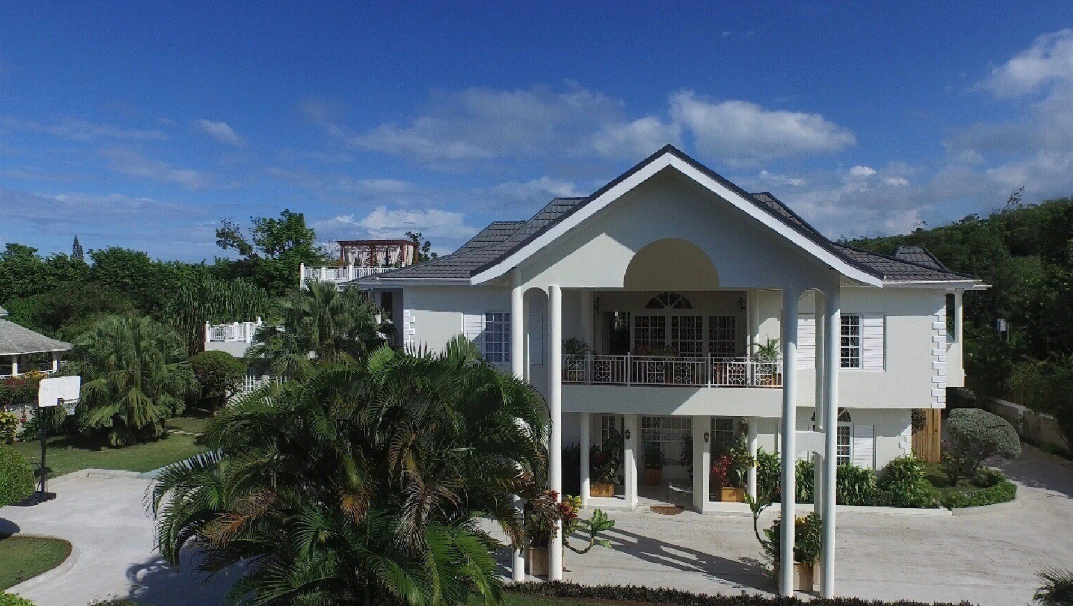 Square footage matters at your Jamaica villa rental, especially if you have a large group.