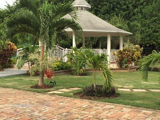 Jamaica Wedding Venues: The Garden Gazebo at Mais Oui Villa in Discovery Bay Jamaica