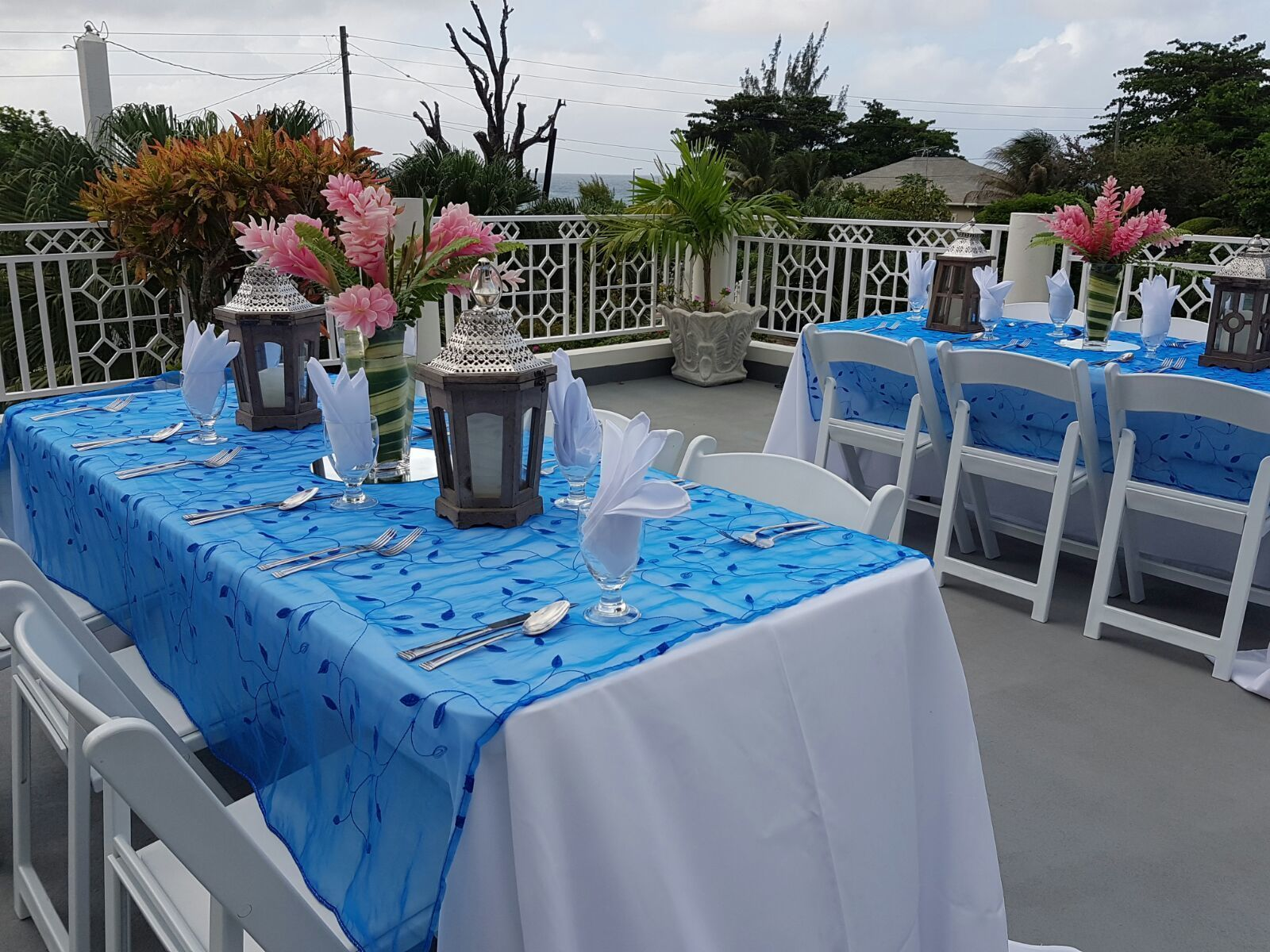 Wedding villas in Jamaica should offer multiple venue options. The lower level roof deck at Mais Oui Tennis and Spa Villa in Discovery Bay Jamaica. A wedding designer's dream for versatility.