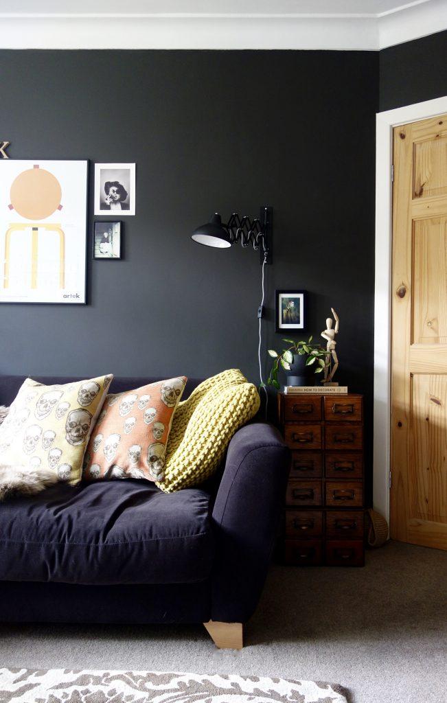 Black walls white woodwork
