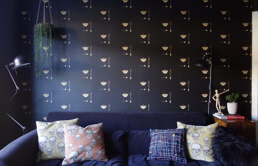 Black Parrots Painted Wallpaper