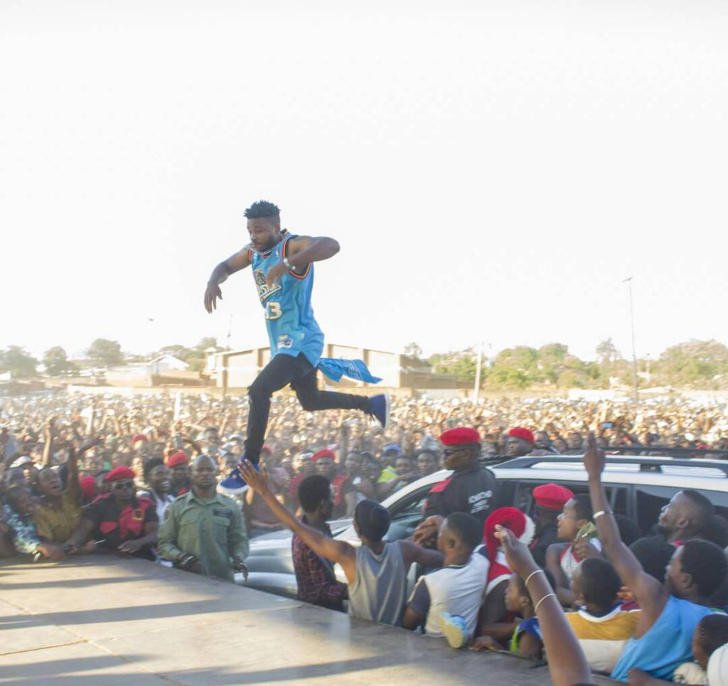 Fredokiss Dates Mzuzu with a Free Show