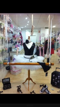 Dance Retailers: Get more Sales with these Window Display ...