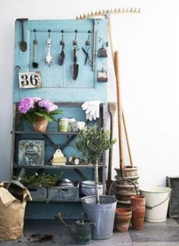 upcycled door projects garden tool organiser Handy Mano ManoMano Mano Mano Handymano