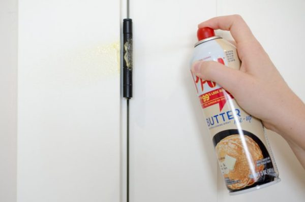 home repair tricks tip hack the hany mano manomano cooking spray squeaky hinge