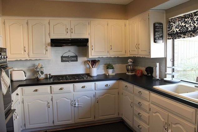 7 Ways To Redo Your Countertops Without Replacing Them the handy mano manomano mano diy do it yourself projects home improvement kitchen makeover transformation counter top chalkboard paint