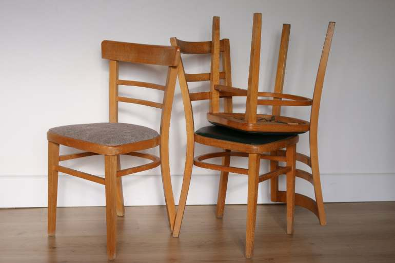 The Handy Mano ManoMano diy do it yourself Dining Chair Makeover Upholstered Chairs wooden upholster reupholster before