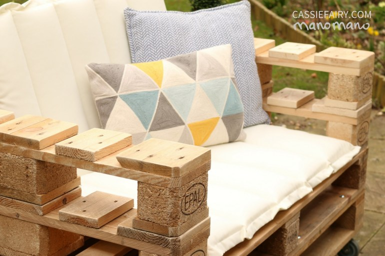 DIY Pallet Chair do it yourself furniture pallets easy outdoors garden handy mano manomano