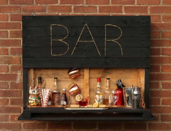 Diy Outdoor Pallet Bar The Handy Mano