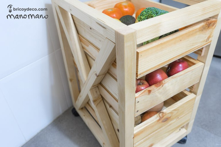 thehandymano mano mano tutorial diy how to make pallet trolley completed fruit vegetables