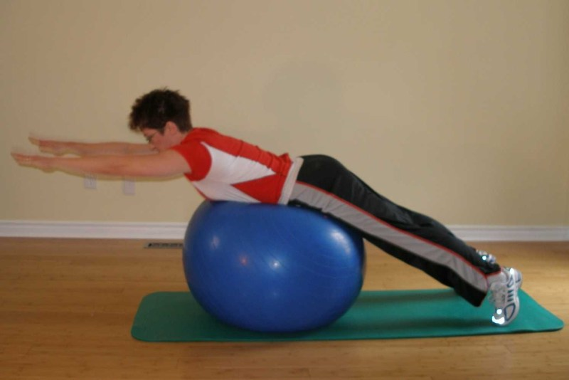 4 gym exercises for runners back extension